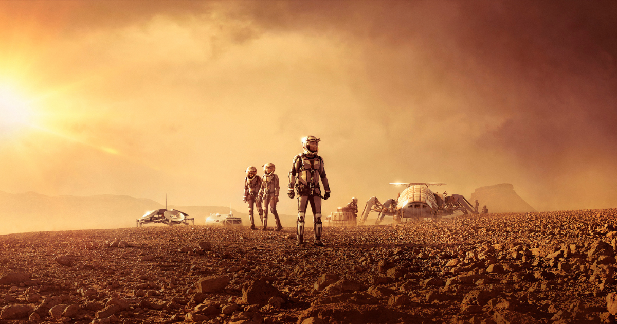 How the surface of Mars looks like in movies and how we see it on real life pictures?