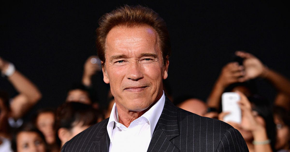 Schwarzenegger had coffee at Széchenyi Square in Hungary